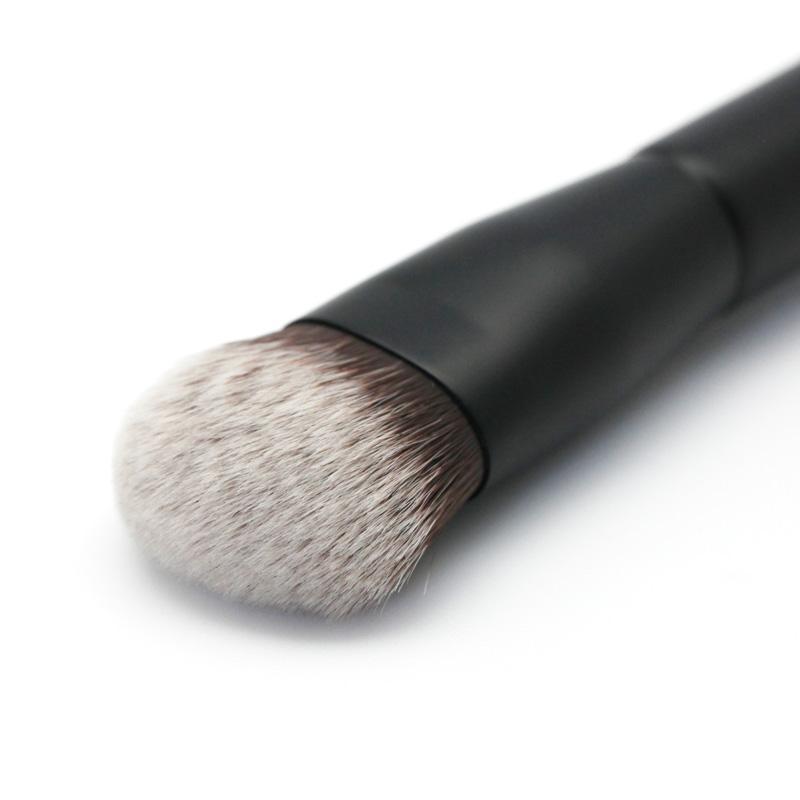 Lucky Trendy - Foundation Brush